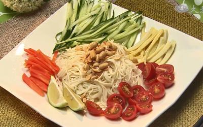 Noodles with Thai-style Sauce Noodles