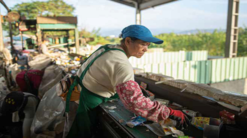 Reducing Trash:A Lesson for Taiwan