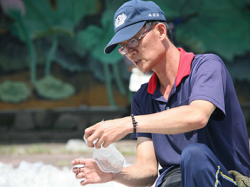Just as the story on Da Ai TV changed Lin Yu-zheng's life, he hoped his story can reach out to others in need too…